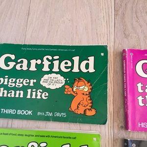 Vintage Other - Set 0f 6 Garfield 80s Nostaga Comic Strip Books